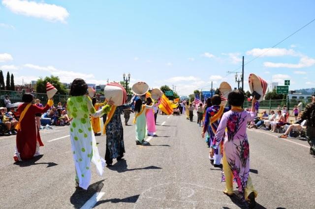 Cộng Đồng Việt Nam Oregon diễn hành 2014 (21)