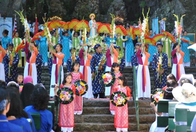 Hanh Huong 2014 (120)